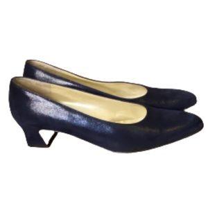 Salvatore Ferragamo Navy Pebble Leather Heels